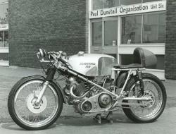 1968 norton dunstall racer 1 747x570 1