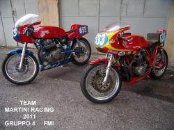 Ducati-team-2011-r.jpg