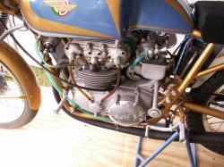 Ducati 125 twin 3