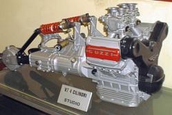 guzzi-v7-quattro-cilindri.jpg