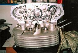 norton-350-desmo-valve-gear.jpg